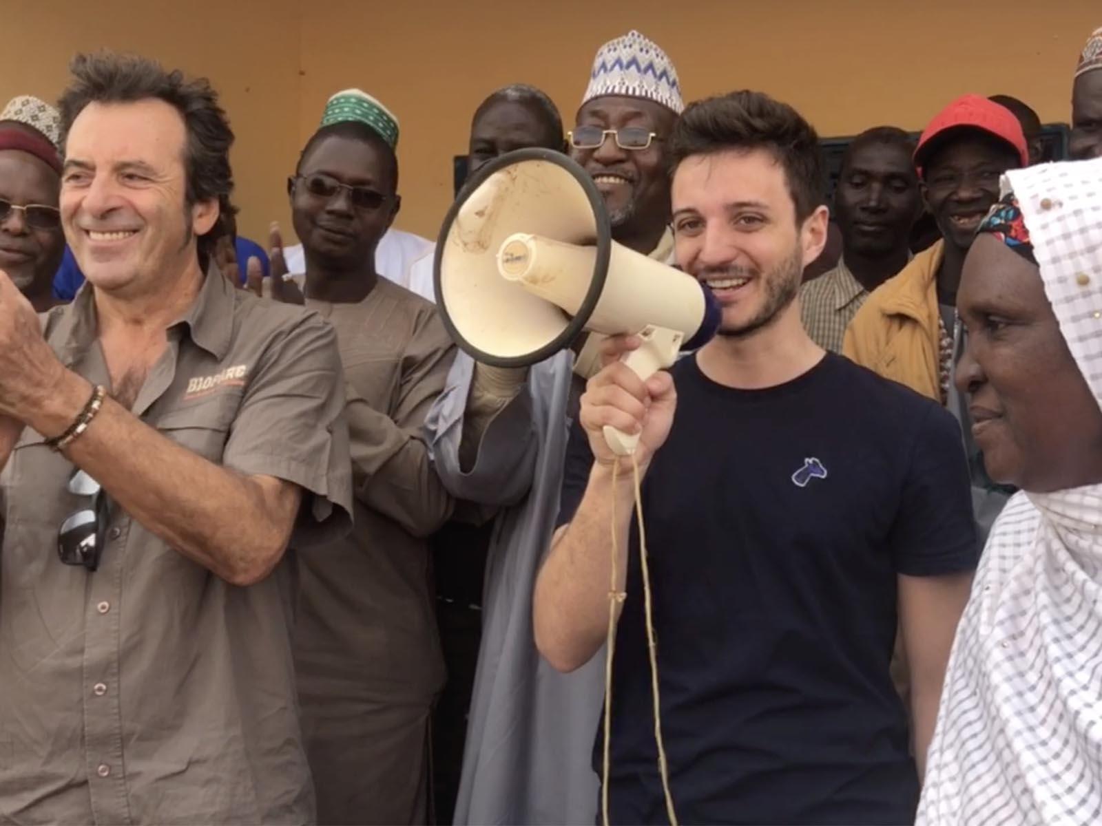 Manu au Niger-Girafon Bleu